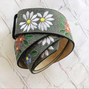 🍁Xhilaration] NEW! Gray leather floral belt MED